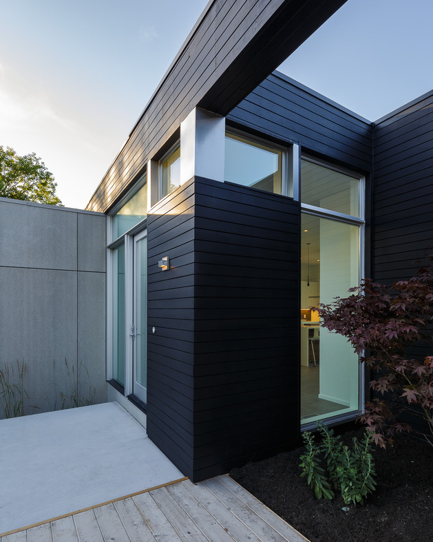 modern-riverside-home-christopher-simmonds-architect-5-entry.jpg