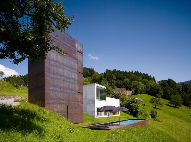 oxidized-steel-bedroom-tower-presides-house-pool-4-pool.jpg