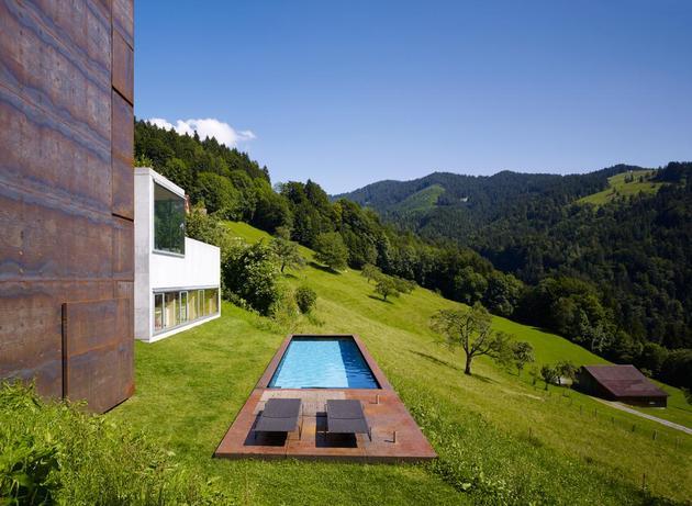 oxidized-steel-bedroom-tower-presides-house-pool-5-site.jpg