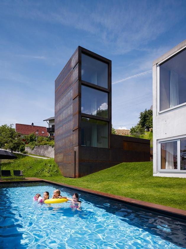 oxidized-steel-bedroom-tower-presides-house-pool-9-tower.jpg