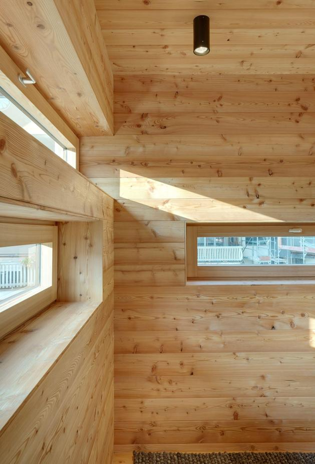 tiny-barn-conversion-zigzags-rooms-vertically-10-interior.jpg
