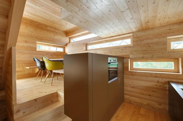 tiny barn conversion zigzags rooms vertically 2 kitchen thumb 630xauto 45512 Tiny Barn Conversion Zigzags Rooms Vertically