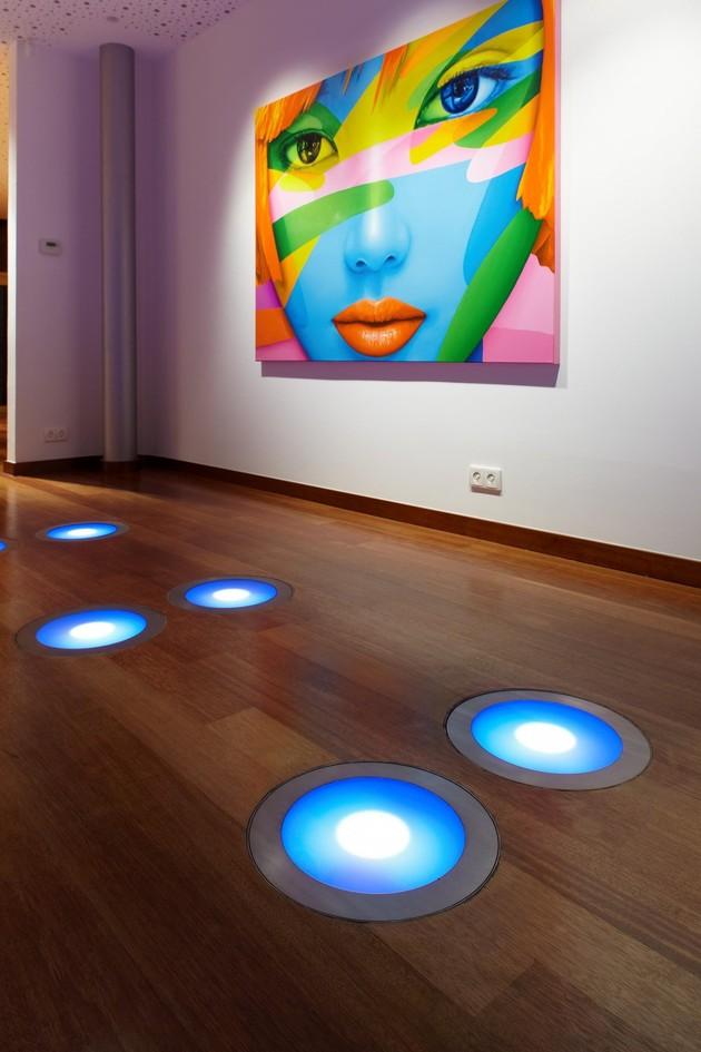 ultramodern-house-with-vibrant-lighting-design-focus-10-floor-lights.jpg