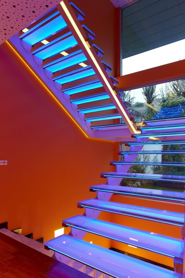 ultramodern-house-with-vibrant-lighting-design-focus-13-stairs-blue.jpg