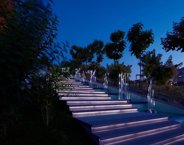 ultramodern-house-with-vibrant-lighting-design-focus-5-entry-steps.jpg