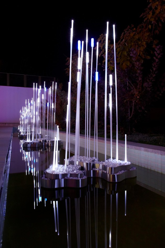 ultramodern-house-with-vibrant-lighting-design-focus-6-light-sculptures.jpg