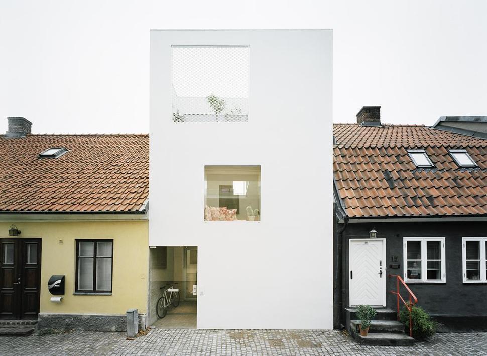 Architect Elding Oscarson Adds a Vibrant White Townhouse to a Sleepy ...