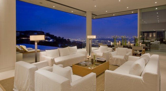 la-homes-view-mcclean-design-11-hollywoodhills.jpg
