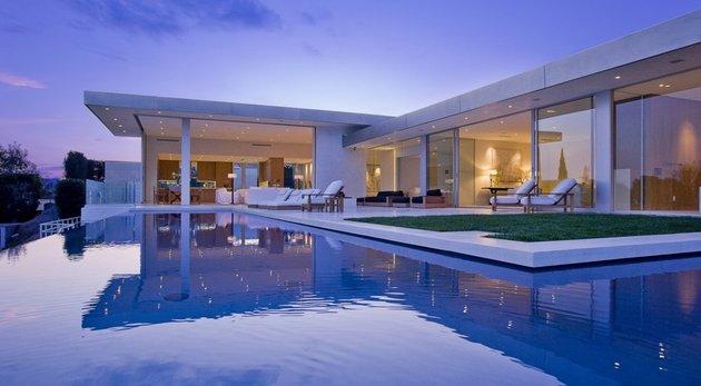 la-homes-view-mcclean-design-8-hollywoodhills.jpg