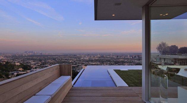la-homes-view-mcclean-design-9-hollywoodhills.jpg