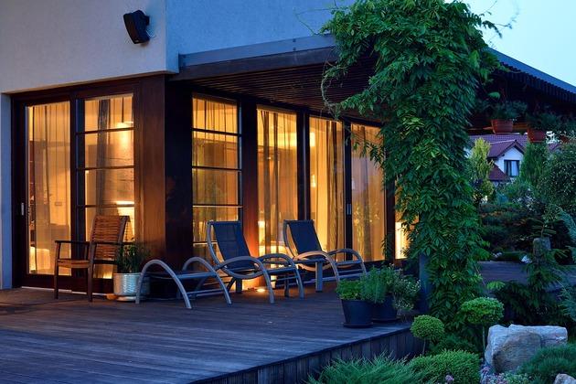 modern-retake-gabled-roofline-20deg-angle-11-terrace.jpg