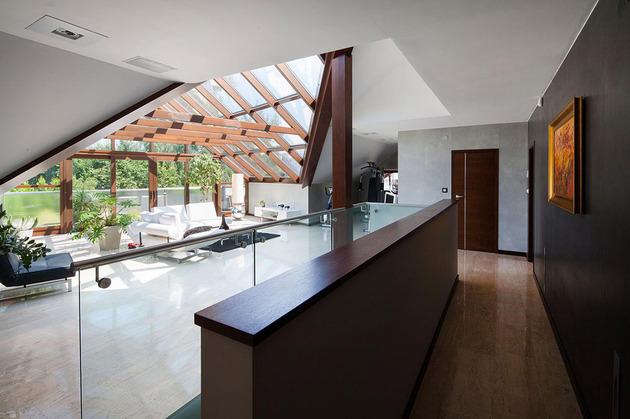 modern-retake-gabled-roofline-20deg-angle-8-family.jpg