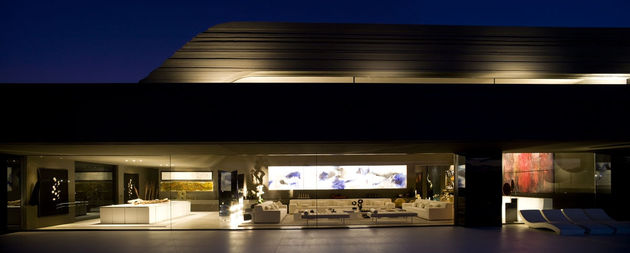 sculptural-spacious-home-2-pools-lake-14-social.jpg