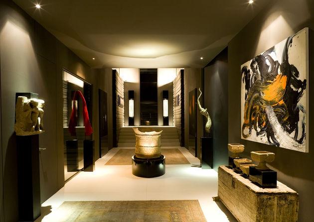 sculptural-spacious-home-2-pools-lake-21-hall.jpg