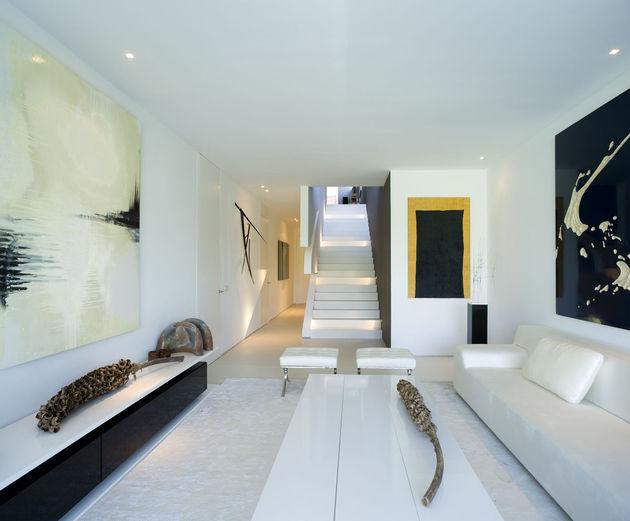sculptural-spacious-home-2-pools-lake-27-downstairs.jpg