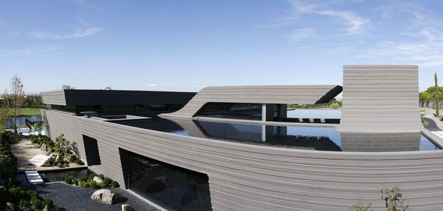 sculptural-spacious-home-2-pools-lake-5-pool.jpg