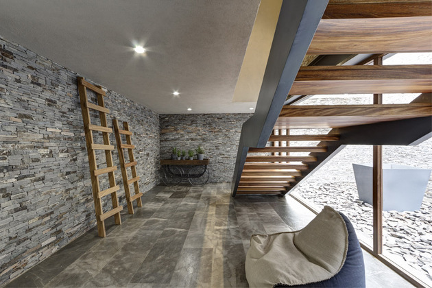 wild-west-homes-of-wood-stone-and-steel-16.jpg