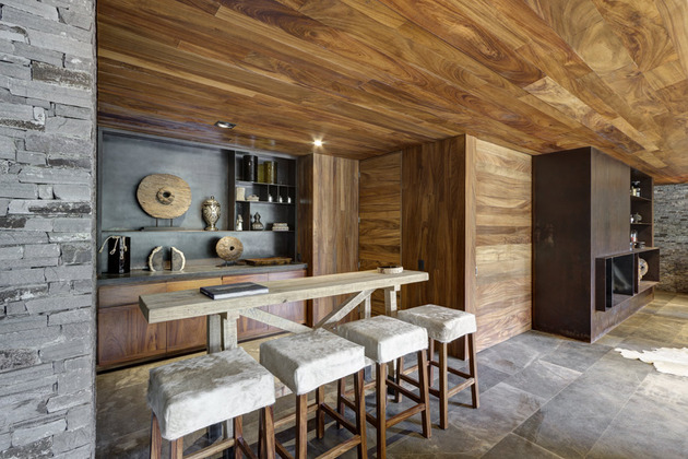 wild-west-homes-of-wood-stone-and-steel-6.jpg
