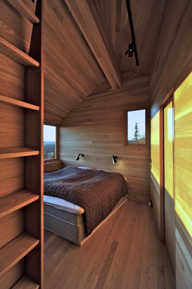 holiday-cabin-mountains-designed-landscape-contours-12-bed.jpg