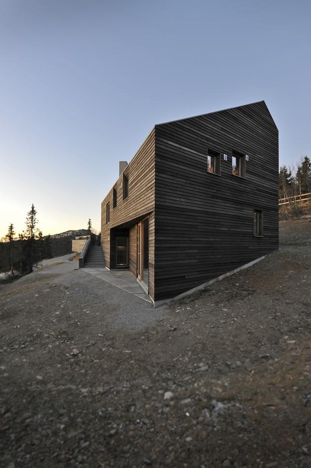 holiday-cabin-mountains-designed-landscape-contours-4-side.jpg