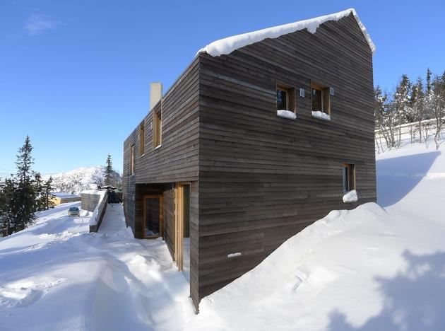 holiday-cabin-mountains-designed-landscape-contours-6-entry.jpg