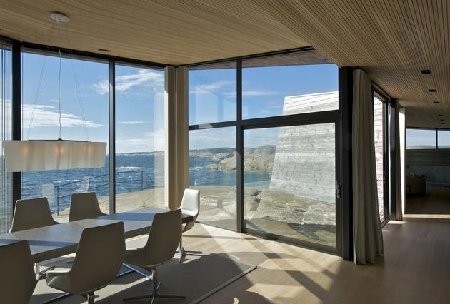 oceanfront-home-landscape-boulders-11-dining.jpg