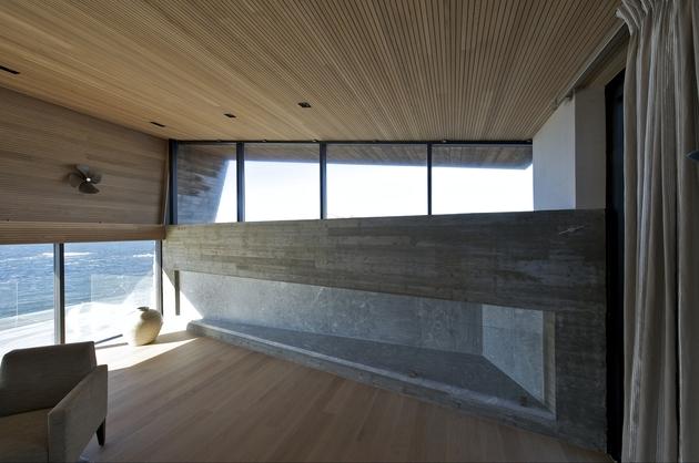 oceanfront-home-landscape-boulders-13-living.jpg