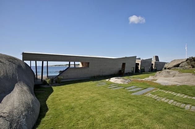 oceanfront-home-landscape-boulders-19-facade.jpg