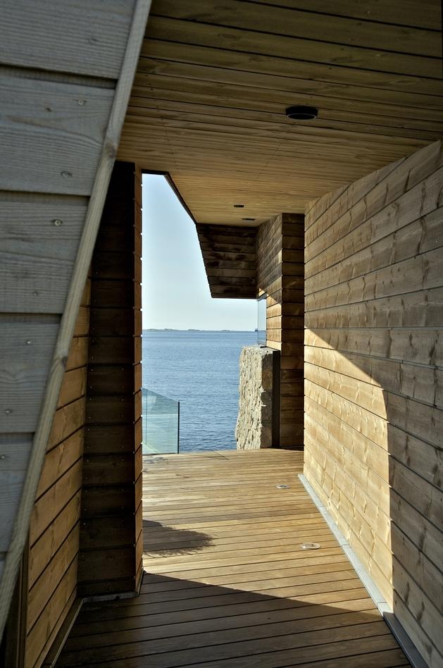 oceanfront-home-landscape-boulders-8-walkway.jpg