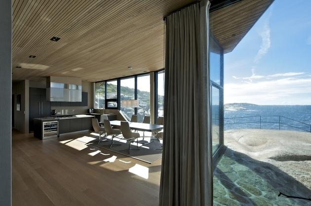 oceanfront-home-landscape-boulders-9-dining.jpg