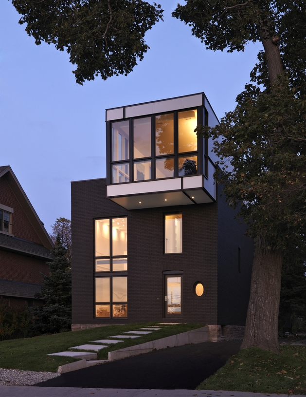 renovation-modernizes-victorian-home -cantilevered-master-suite-23.jpg