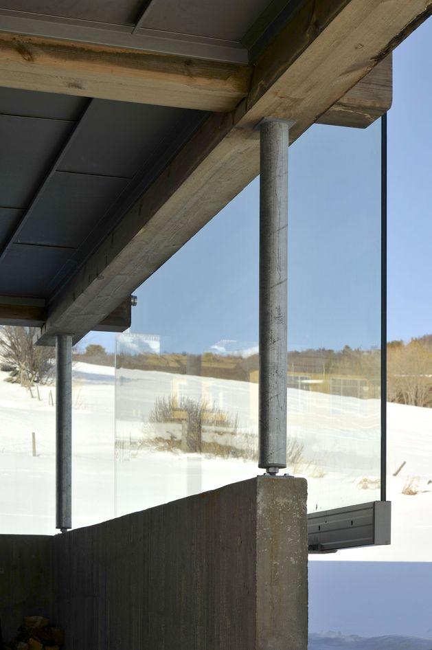 timber-log-house-contemporary--assemblage-jva-6-glazing-detail.jpg