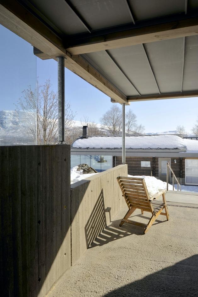 timber-log-house-contemporary--assemblage-jva-7-terrace.jpg
