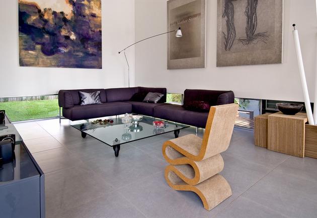 wooden-concrete-house-by-nestor-sandbank-10.jpg