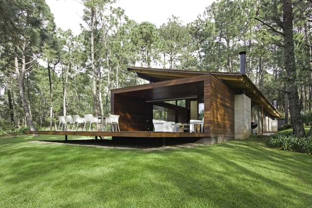 contemporary-weekend-home-mountains-eliasrizo-architects-3.jpg