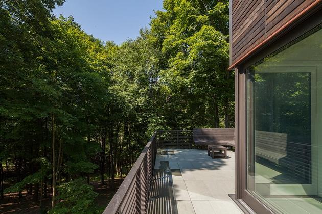 forest-home-tucked-cantilevered-terraced-site-18.jpg