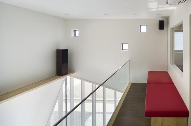 sculptural-home-negative-space-17.jpg