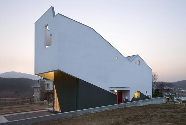 sculptural-home-negative-space-7.jpg
