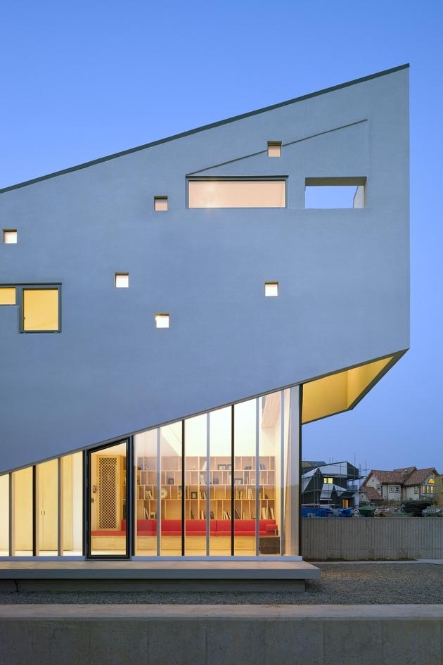 sculptural-home-negative-space-8.jpg