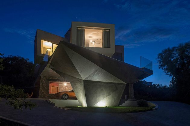 spectacular-summer-house-hilltop-9.jpg
