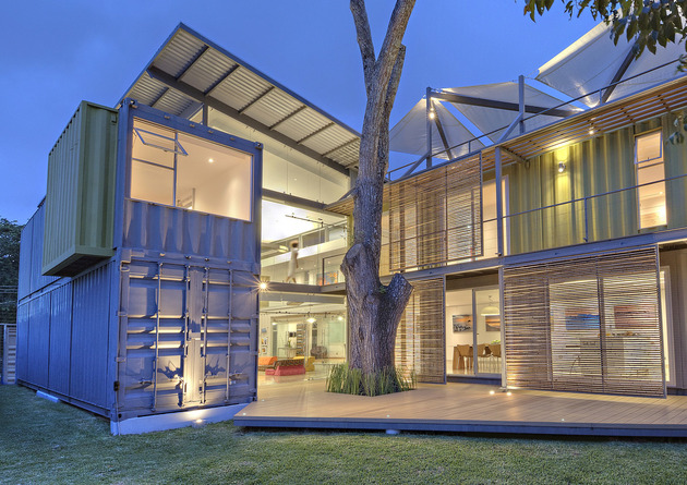 stunning 2 story home 8 shipping containers 1 thumb 630xauto 50633 8 Shipping Containers Make Up a Stunning 2 Story Home