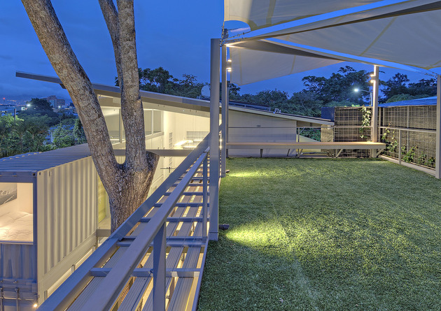 stunning 2 story home 8 shipping containers 2 thumb 630xauto 50635 8 Shipping Containers Make Up a Stunning 2 Story Home