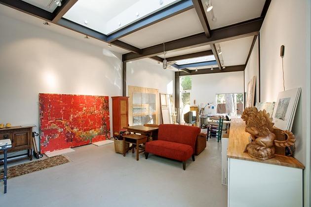 stylishly-simple-modern-1-story-house-13.jpg