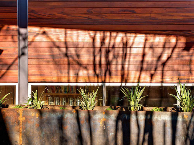stylishly-simple-modern-1-story-house-5.jpg