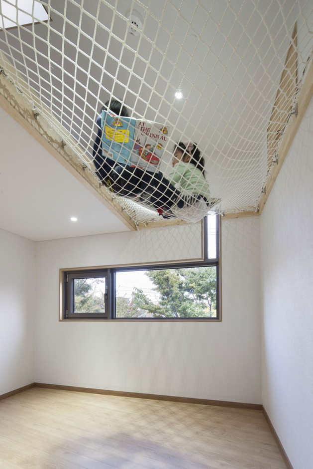 unique-urban-home-with-clever-nooks-10.jpg