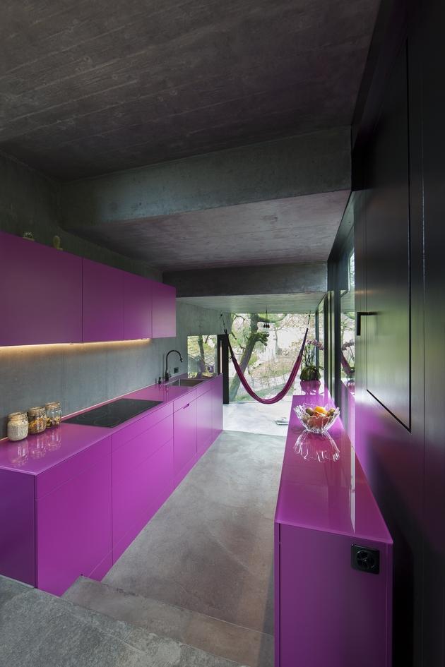 vineyard-home-steep-slope-subterranean-level-10.jpg