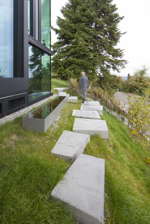 vineyard-home-steep-slope-subterranean-level-20.jpg