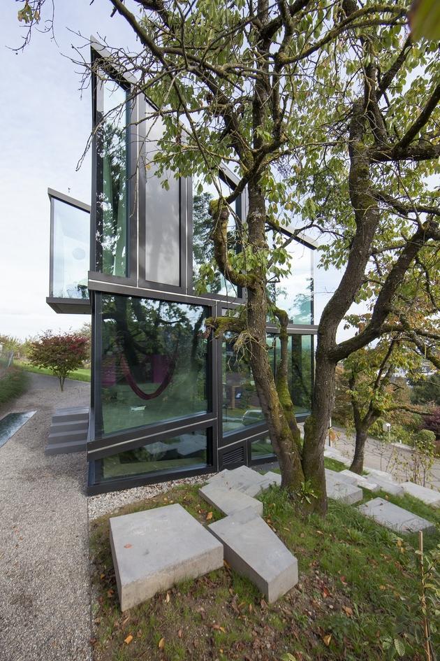 vineyard-home-steep-slope-subterranean-level-22.jpg
