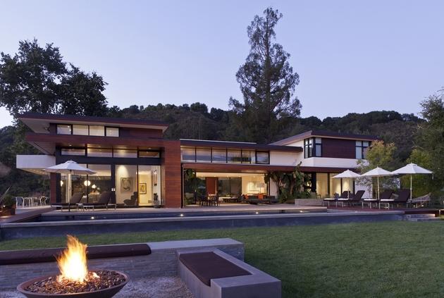 extreme-makeover-modernizes-house-ridge-15.jpg
