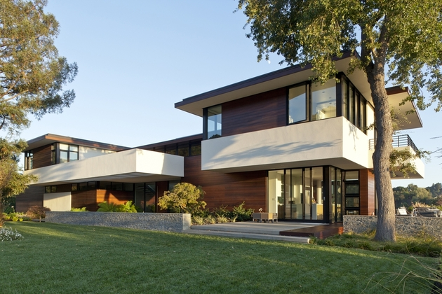 extreme makeover modernizes house ridge 2 thumb 630xauto 52052 Transforming One Storey Ranch into Two Storey Open Floor Plan House
